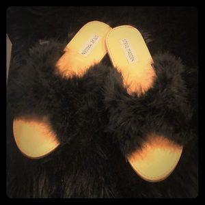 Steve Madden 'Ciara' black fur slide sandals NWT